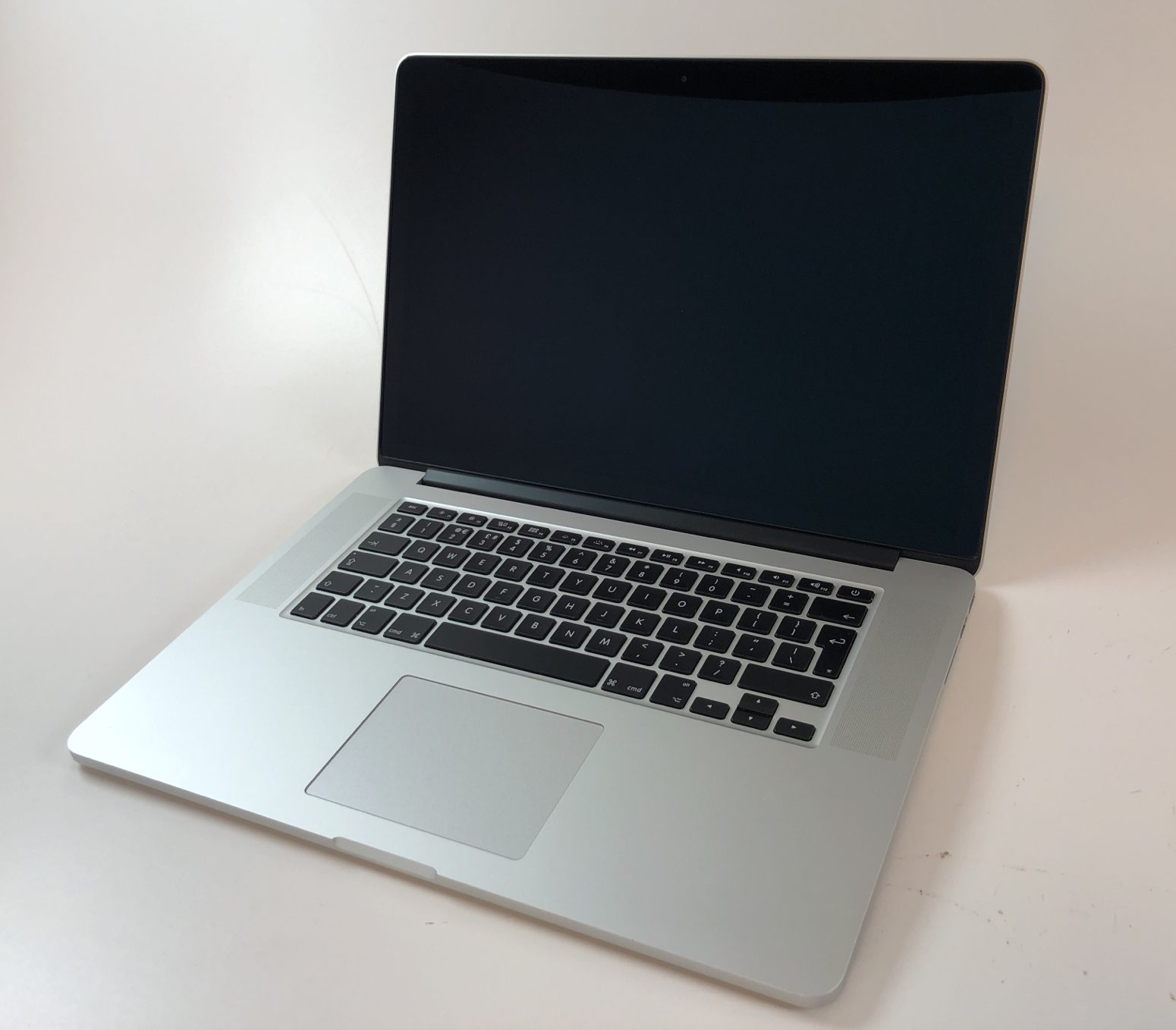 """MacBook Pro Retina 15"""" Mid 2015 (Intel Quad-Core i7 2.8 GHz 16 GB RAM 1 TB SSD), Intel Quad-Core i7 2.8 GHz, 16 GB RAM, 1 TB SSD, image 1"""
