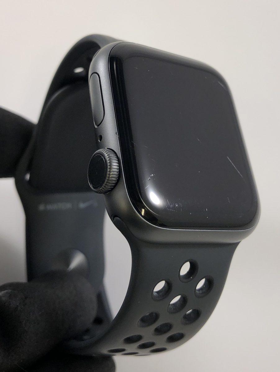 Watch Series 4 Aluminum (40mm), Space Gray, Black Nike Sport Loop, image 1