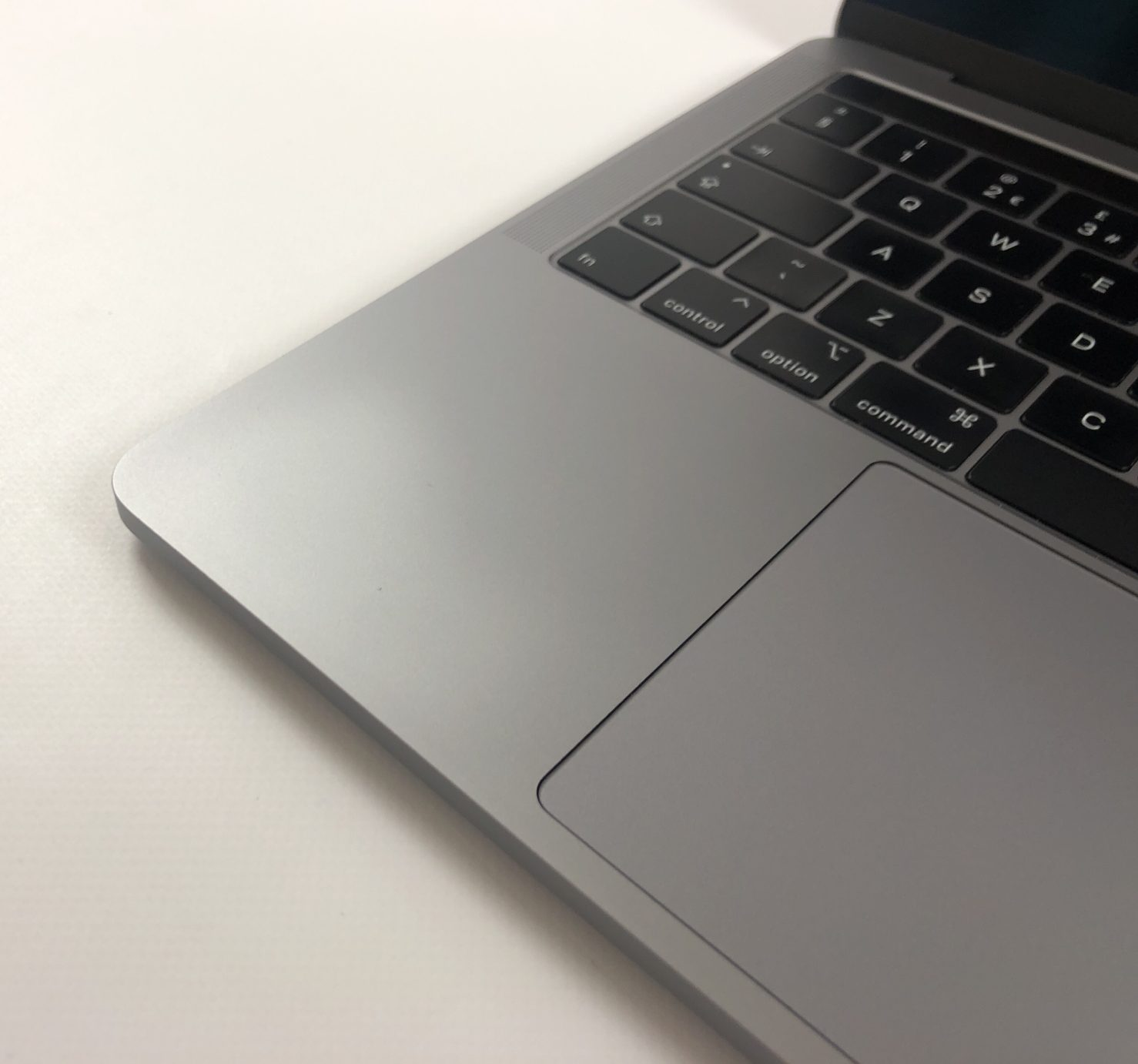 """MacBook Pro 13"""" 4TBT Mid 2018 (Intel Quad-Core i5 2.3 GHz 8 GB RAM 512 GB SSD), Space Gray, Intel Quad-Core i5 2.3 GHz, 8 GB RAM, 512 GB SSD, image 4"""