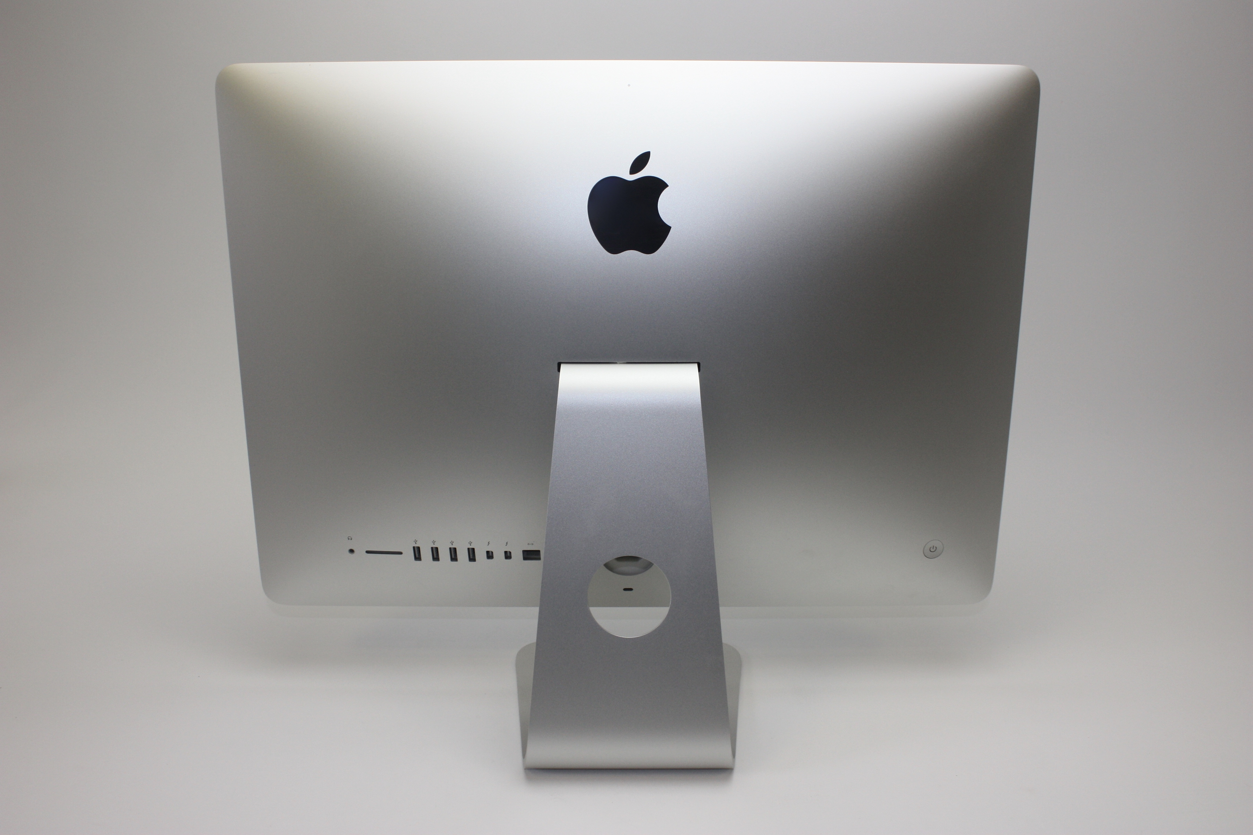iMac (21.5-inch Late 2013), 2.9 GHz Intel Core i5, 8 GB 1600 MHz DDR3, 1 TB SATA Disk, Product age: 34 months, image 4