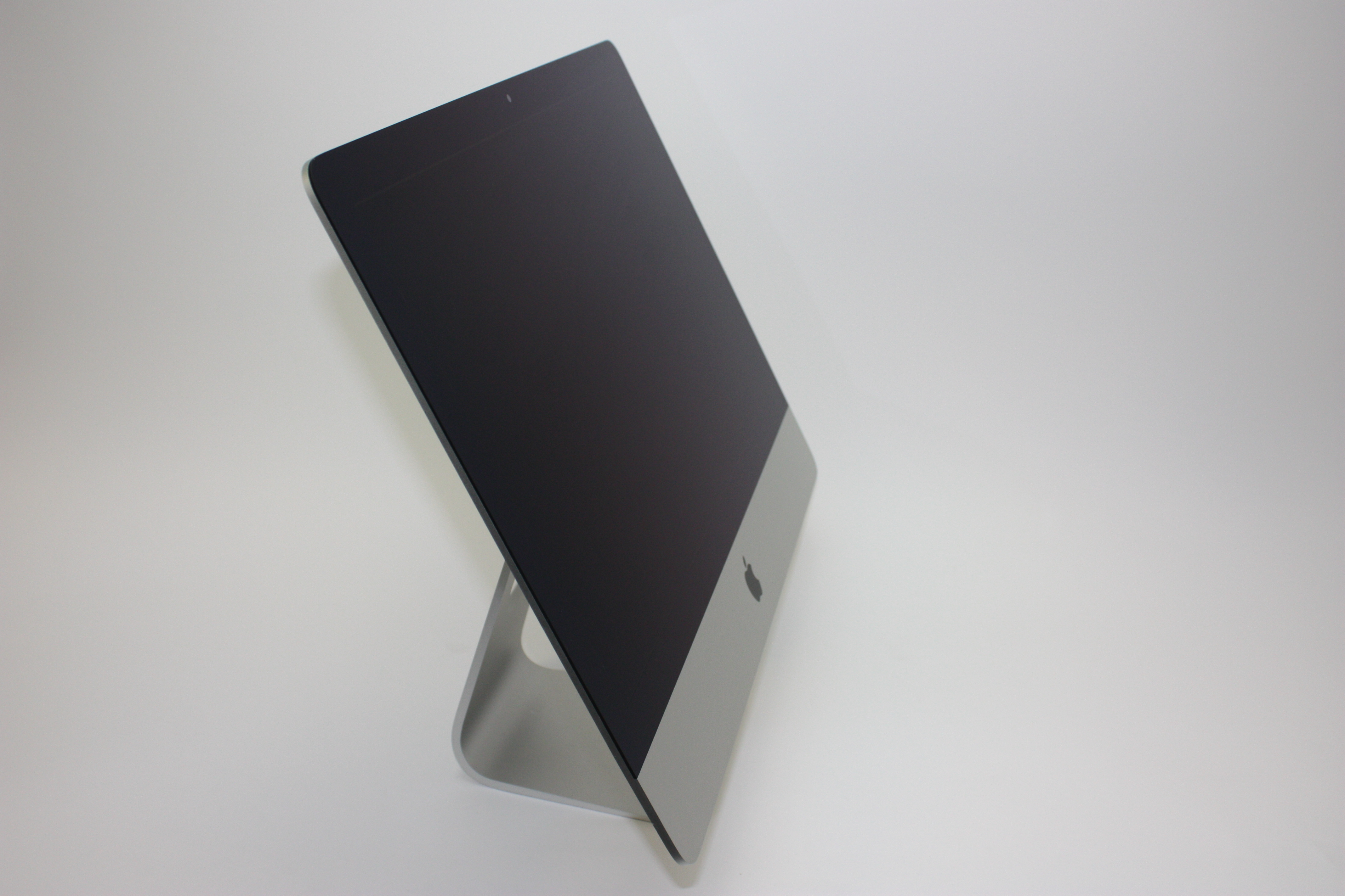 iMac 21.5-inch, 2.7 GHz Intel Core i5, 8 GB 1600 MHz DDR3, 1 TB SATA Disk, Product age: 52 months, image 2