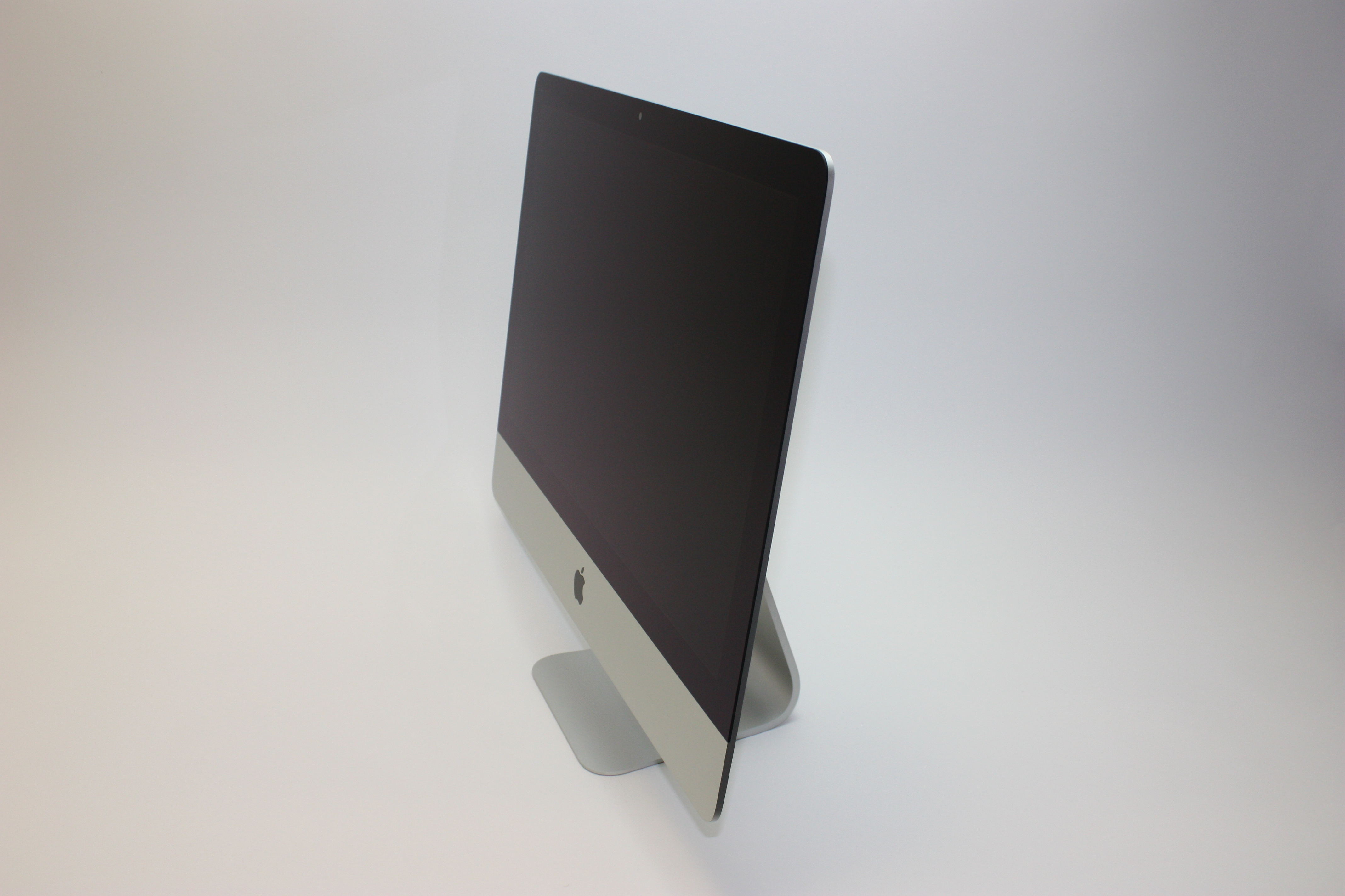 iMac Retina 4K 21.5-inch, 3.0 GHz Core i5, 8 GB 2400 MHz DDR4, 1 TB SATA Disk, image 2