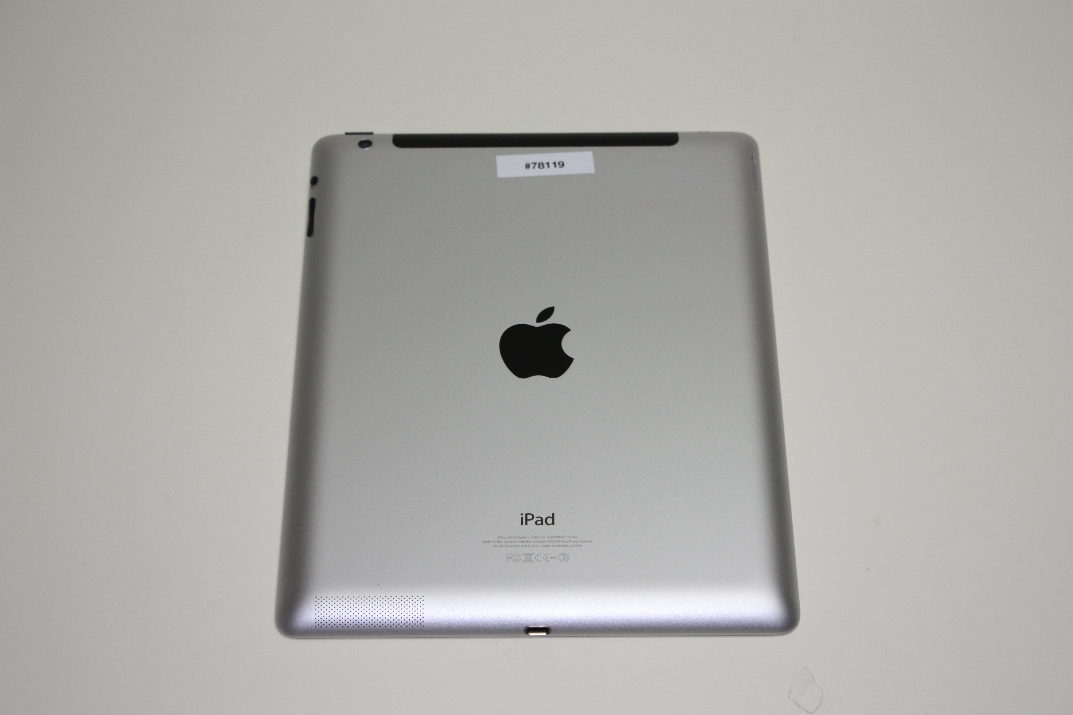iPad 4th gen (Wi-Fi + 4G), 16 GB, Silver/White, Product age: 52 months, image 2