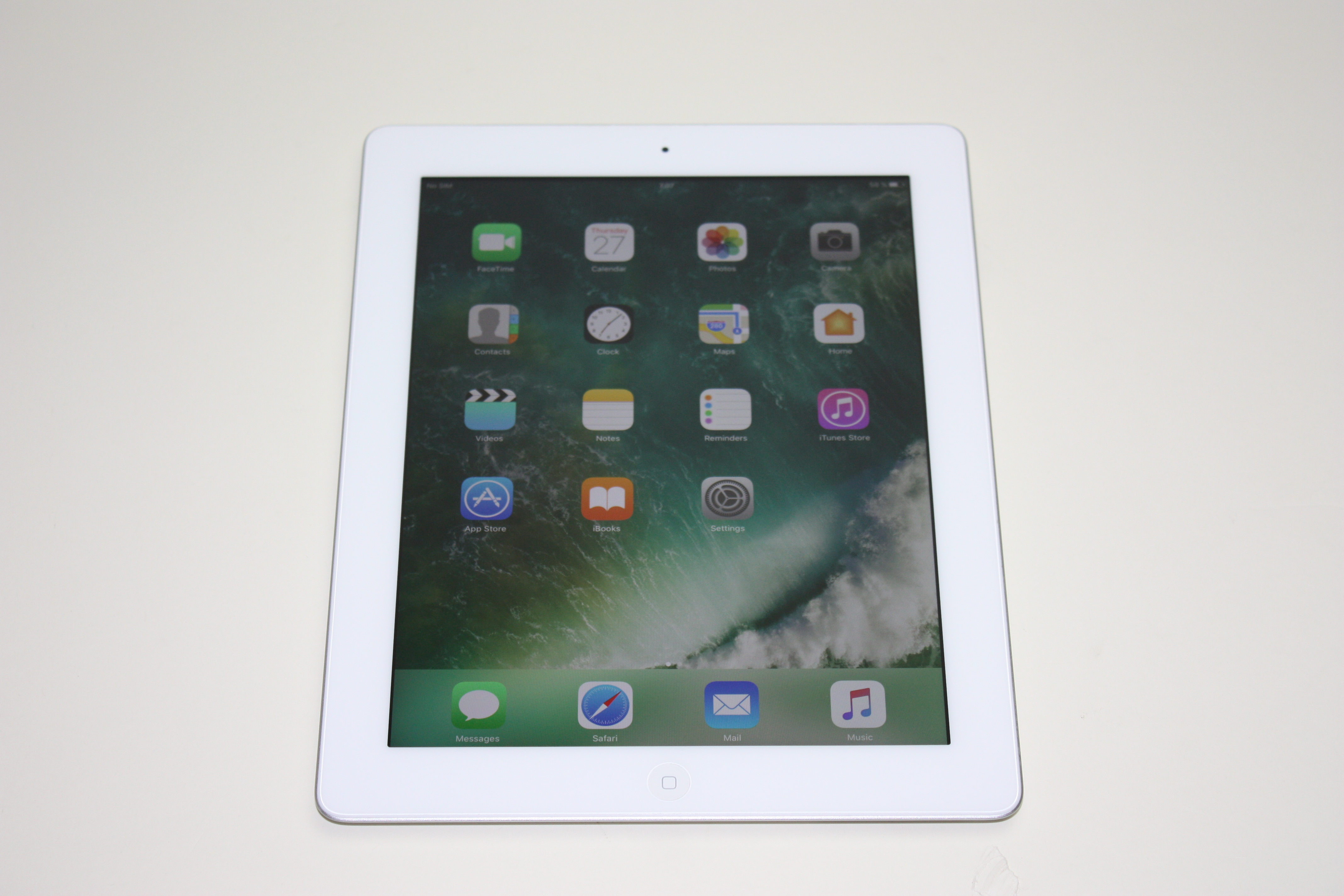 iPad 4th gen (Wi-Fi + 4G), 16 GB, Silver/White, Product age: 52 months, image 1