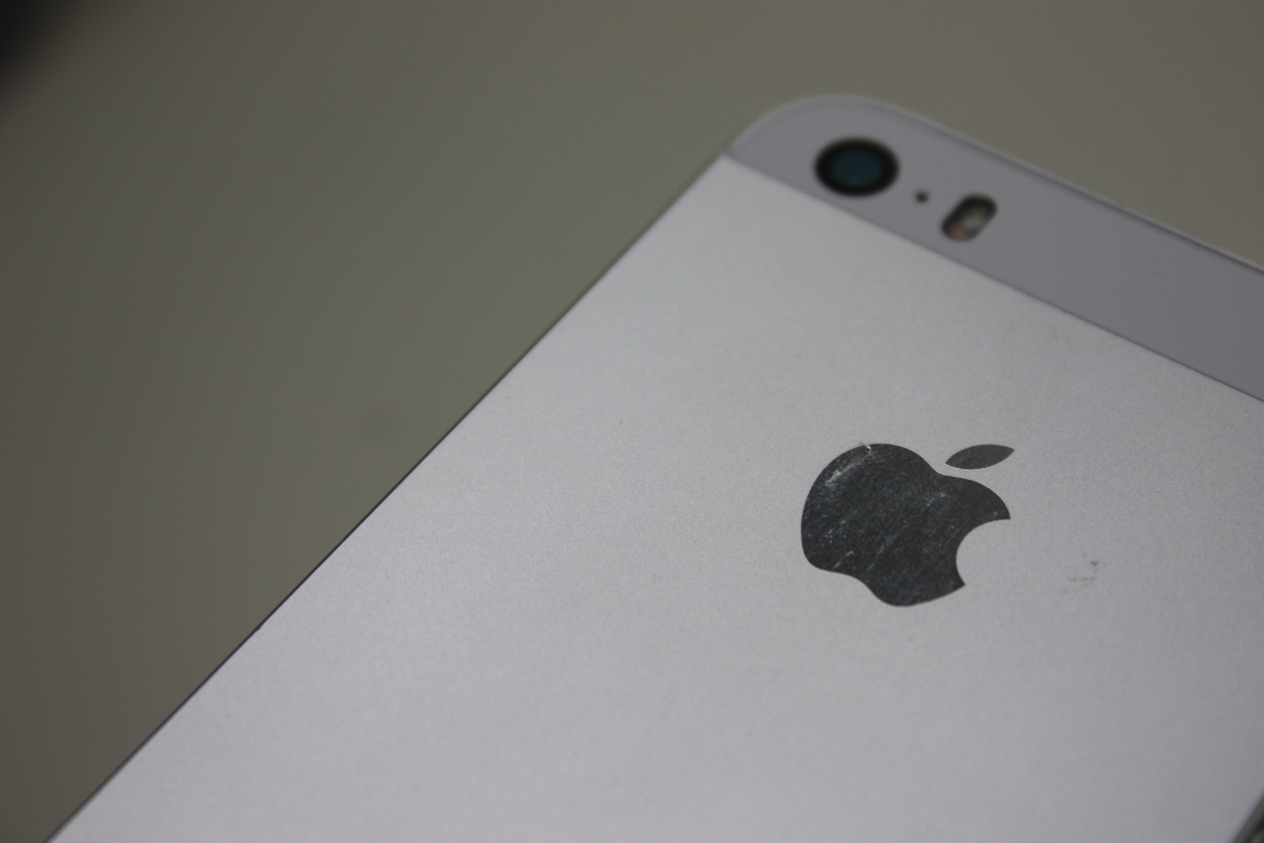 iPhone 5S, 16 GB, White/Silver, Product age: 40 months, image 4