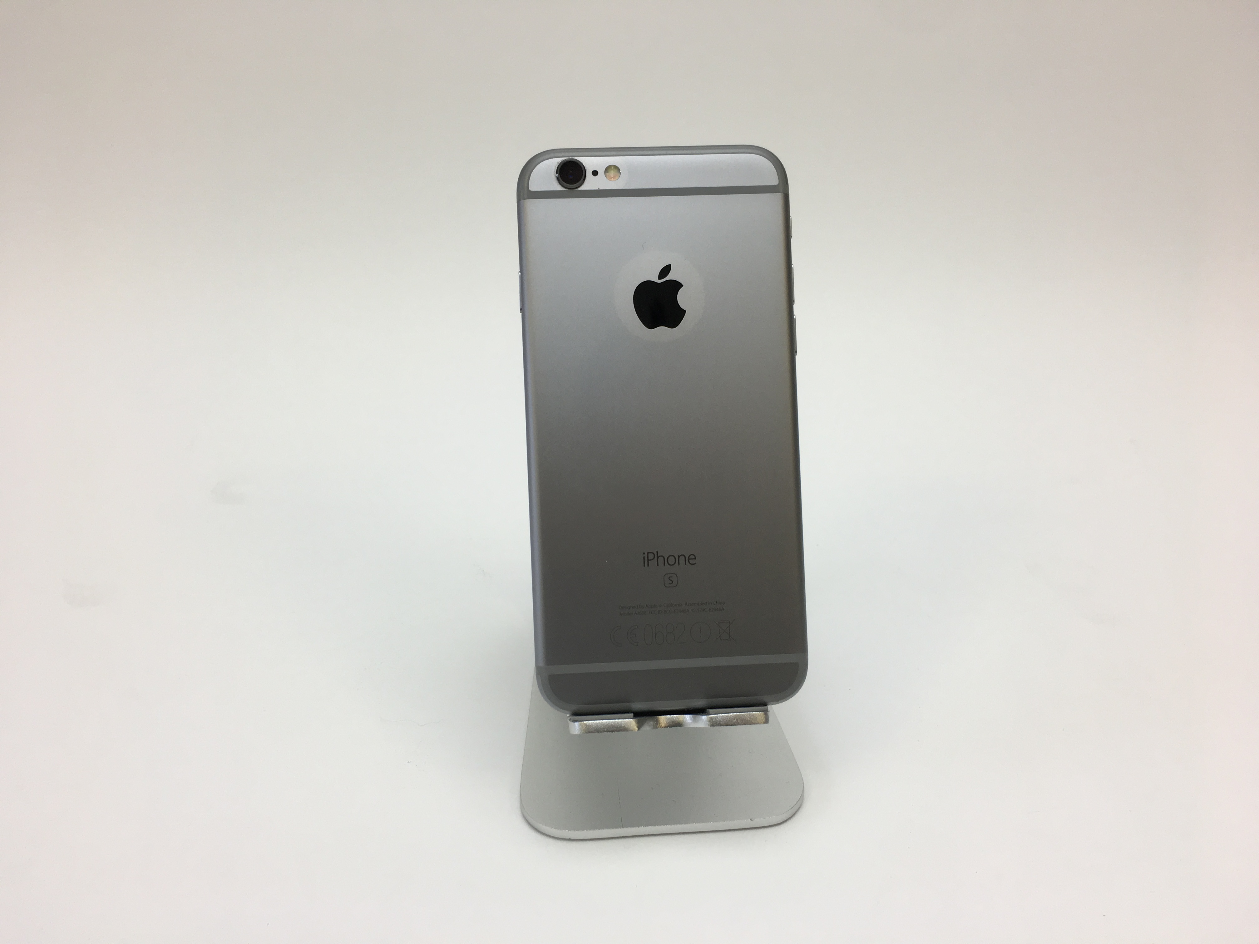 iPhone 6S, 16 GB, Space Grey, Product age: 30 months, image 2