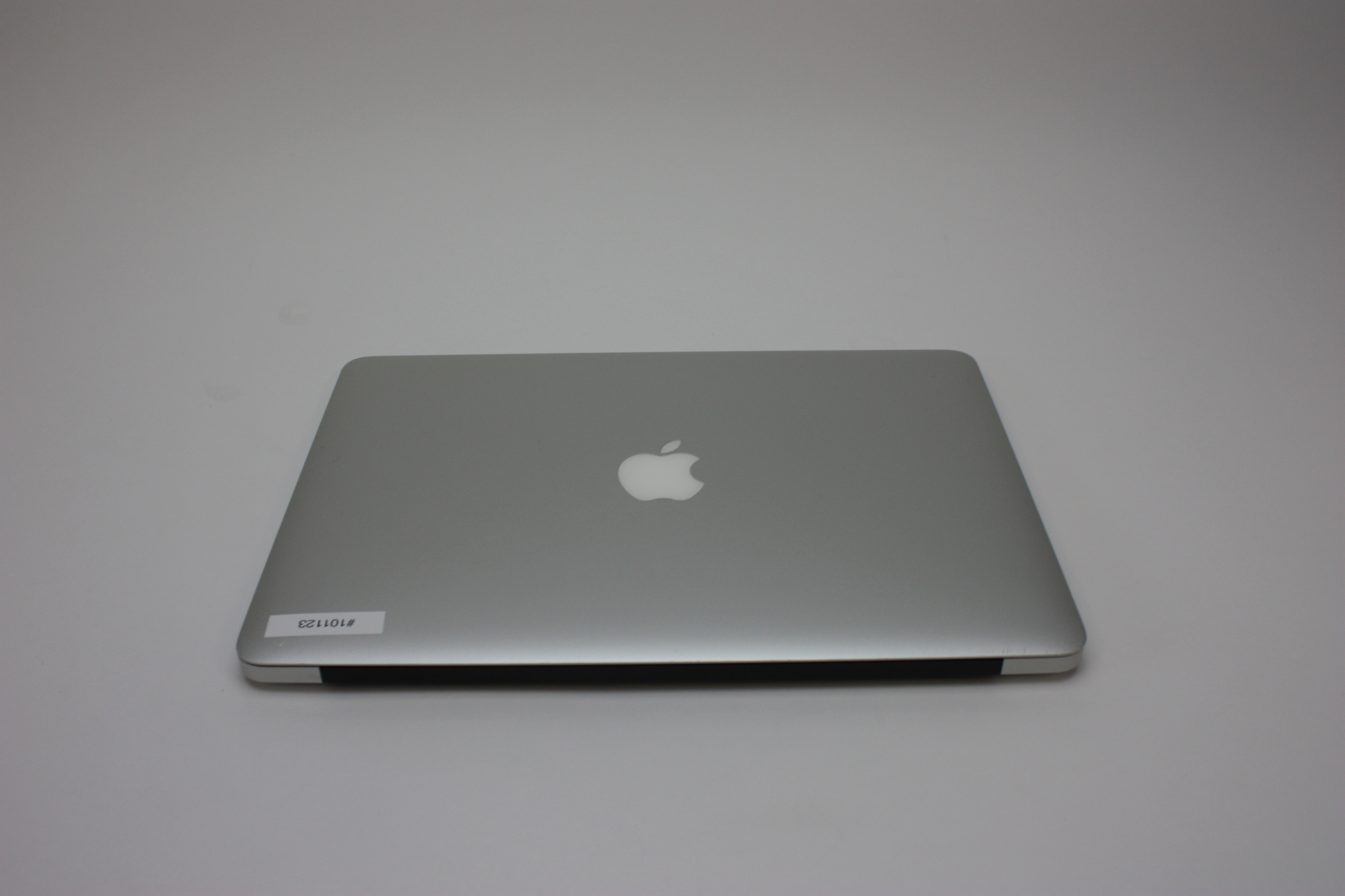MacBook Air 13-inch, 1.4 GHz Intel Core i5, 4 GB 1600 MHz DDR3, 128 GB Flash Storage, Product age: 43 months, image 6