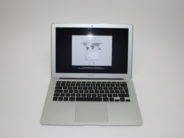MacBook Air 13-inch, 1.4 GHz Intel Core i5, 4 GB 1600 MHz DDR3, 128 GB Flash Storage, Product age: 43 months, image 2