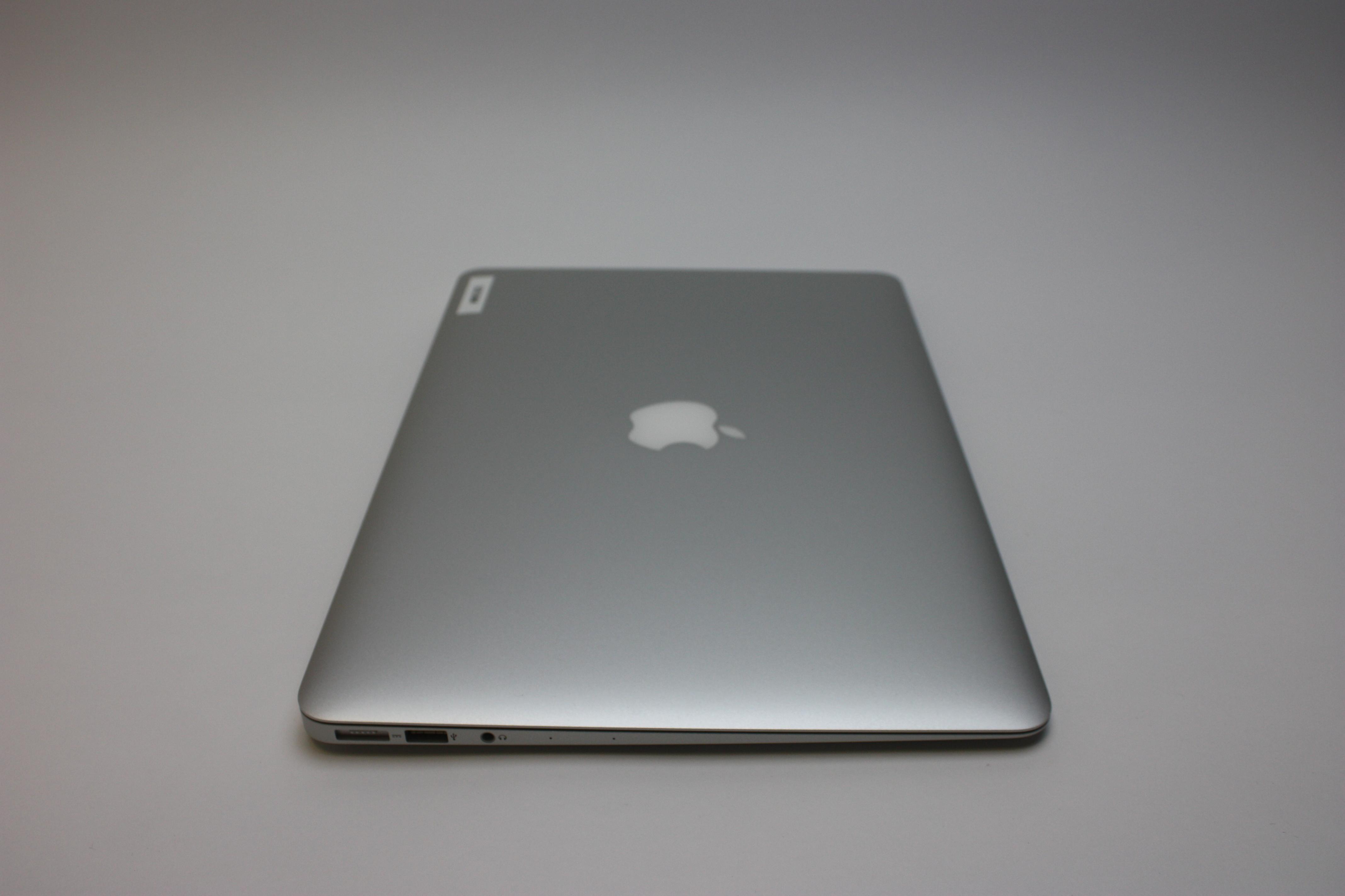 MacBook Air 13-inch, 1.8 GHz Core i5 (I5-5350U), 8 GB 1600 MHz DDR3, 128 GB Flash Storage, image 5