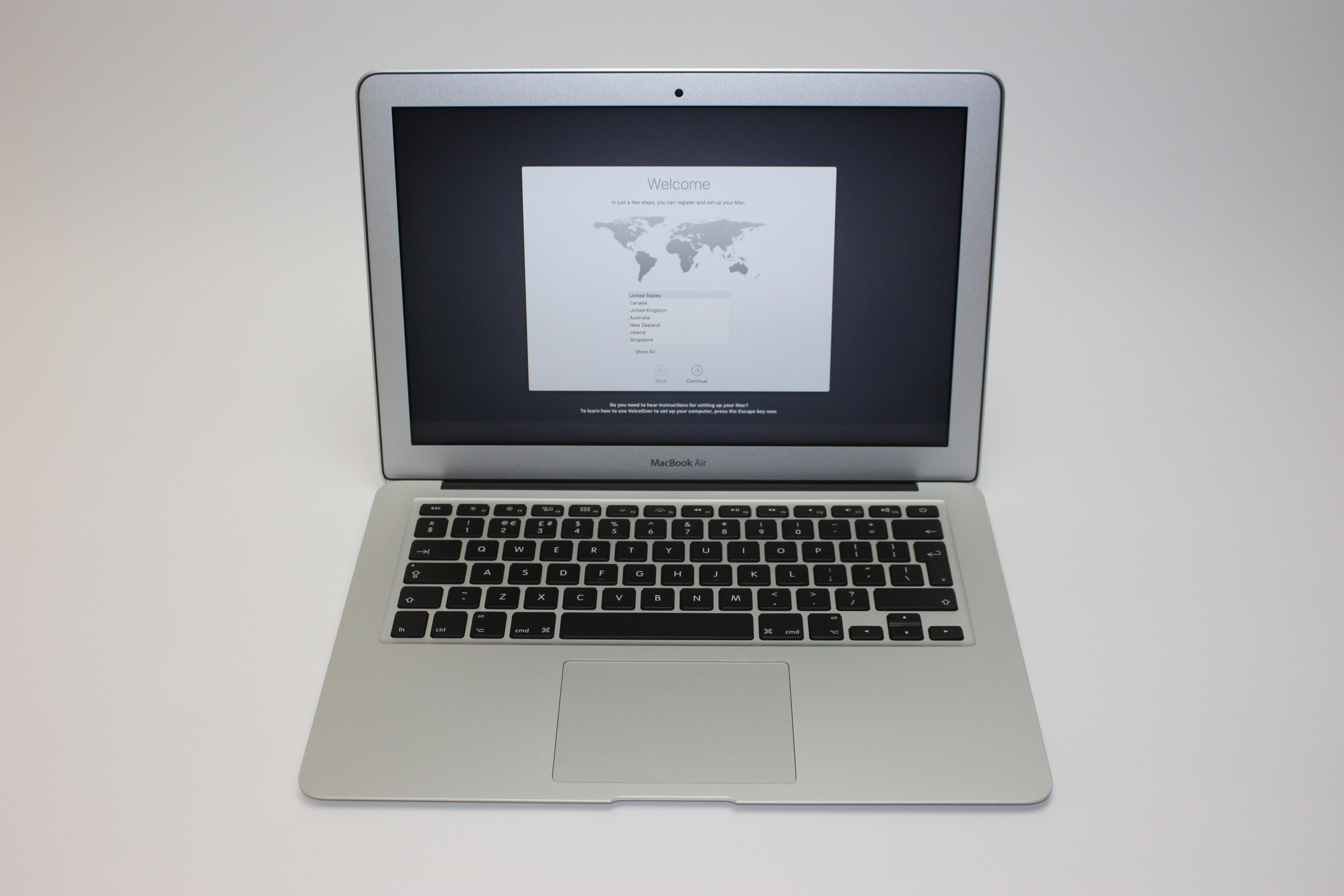 MacBook Air 13-inch, 1.8 GHz Core i5 (I5-5350U), 8 GB 1600 MHz DDR3, 128 GB Flash Storage, image 1