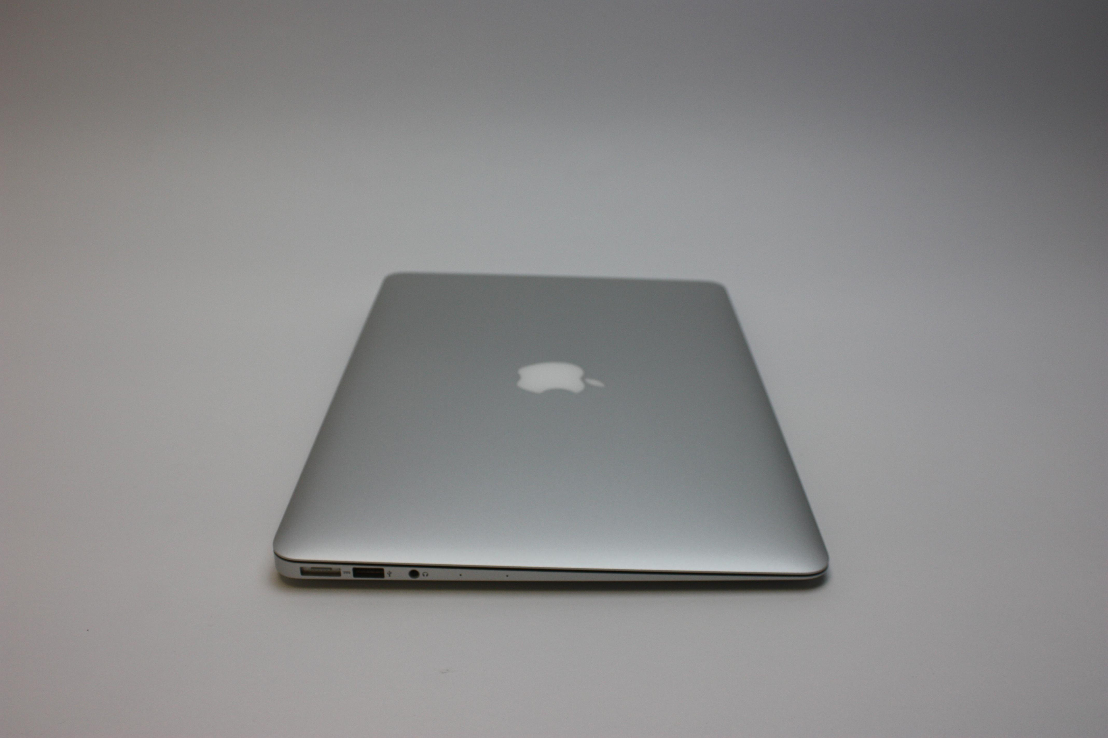 MacBook Air 13-inch, 1.6 GHz Core i5 (I5-5250U), 8 GB 1600 MHz DDR3, 128 GB Flash Storage, image 5