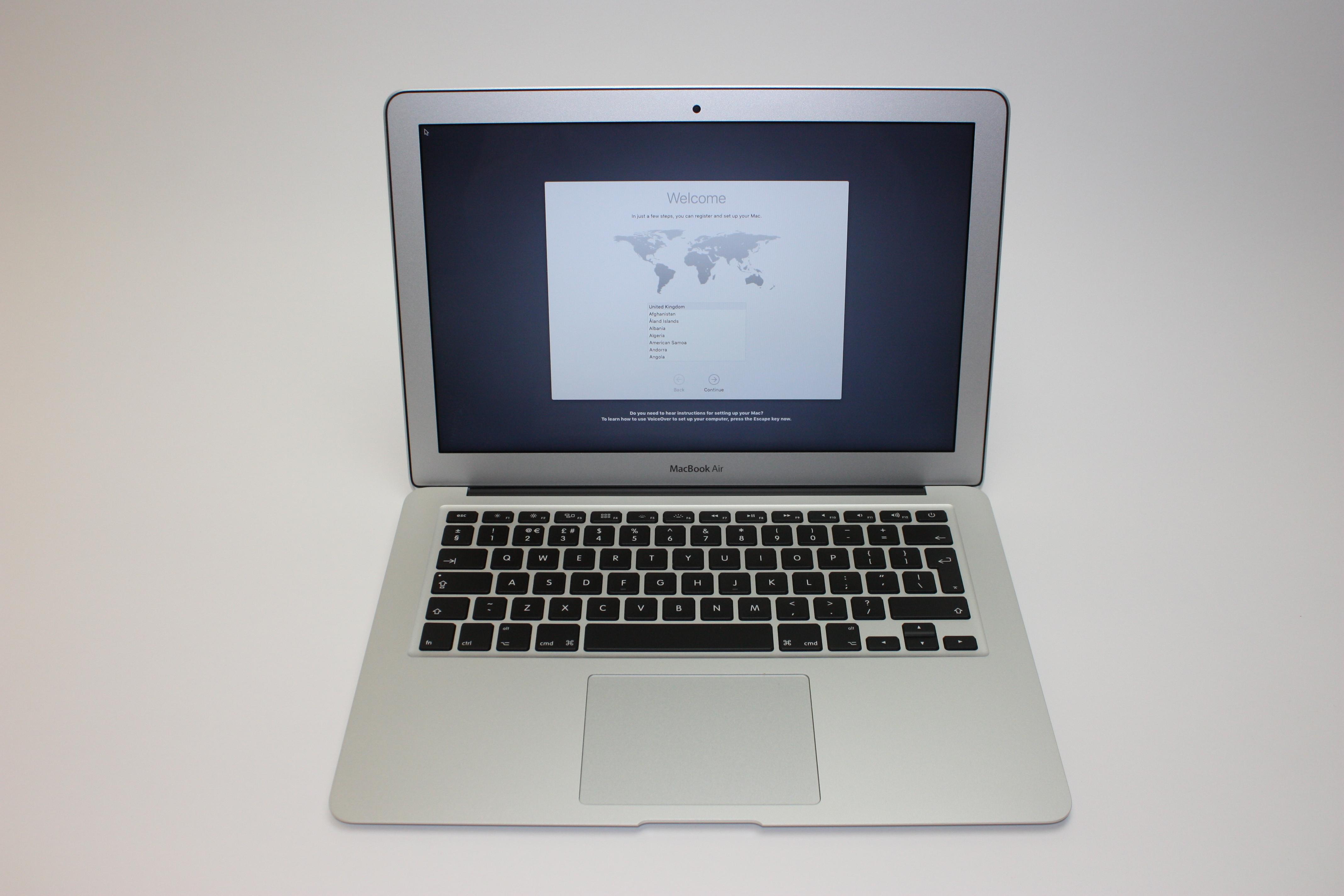 MacBook Air 13-inch, 1.6 GHz Core i5 (I5-5250U), 8 GB 1600 MHz DDR3, 128 GB Flash Storage, image 1