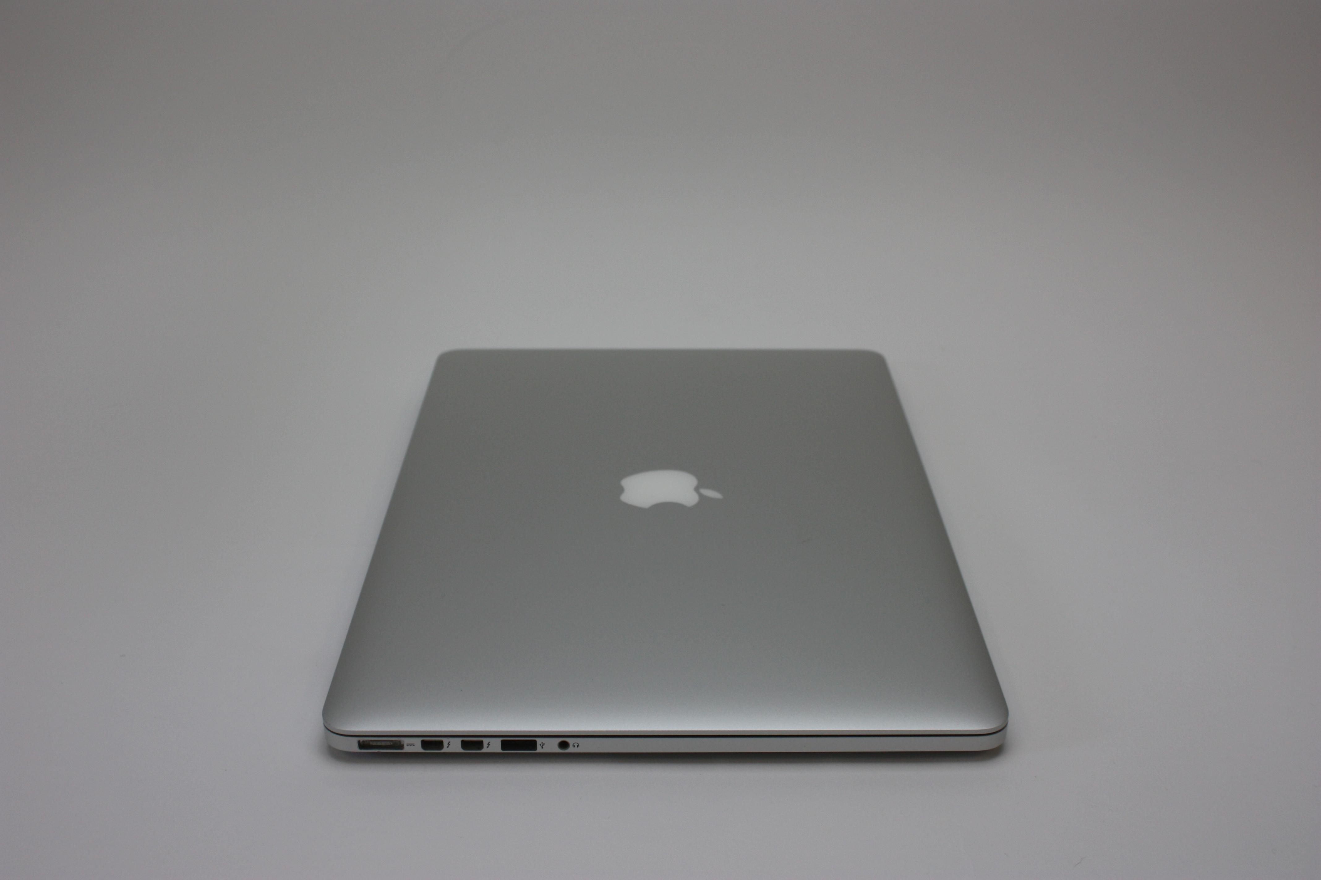 MacBook Pro 15-inch Retina, 2.2 GHz Intel Core i7, 16 GB 1600 MHz DDR3, 256 GB Flash Storage, image 5