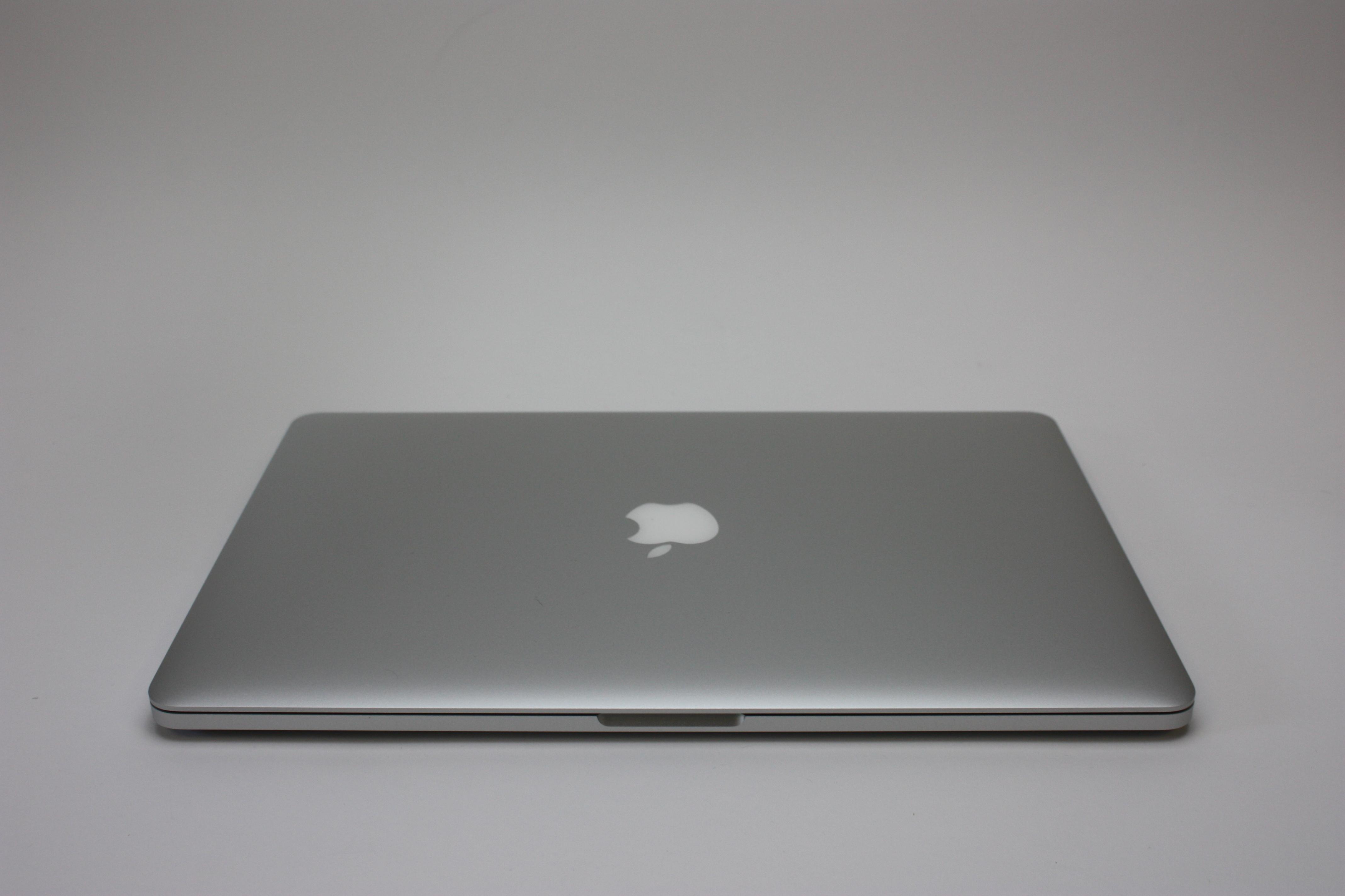 MacBook Pro 15-inch Retina, 2.2 GHz Intel Core i7, 16 GB 1600 MHz DDR3, 256 GB Flash Storage, image 4
