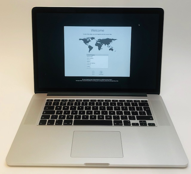 "MacBook Pro Retina 15"" Mid 2015 (Intel Quad-Core i7 2.8 GHz 16 GB RAM 1 TB SSD), Intel Quad-Core i7 2.8 GHz, 16 GB RAM, 1 TB SSD, image 1"