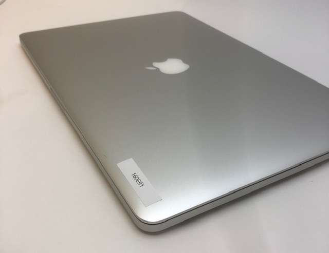 "MacBook Pro Retina 15"" Mid 2015 (Intel Quad-Core i7 2.8 GHz 16 GB RAM 1 TB SSD), Intel Quad-Core i7 2.8 GHz, 16 GB RAM, 1 TB SSD, image 2"