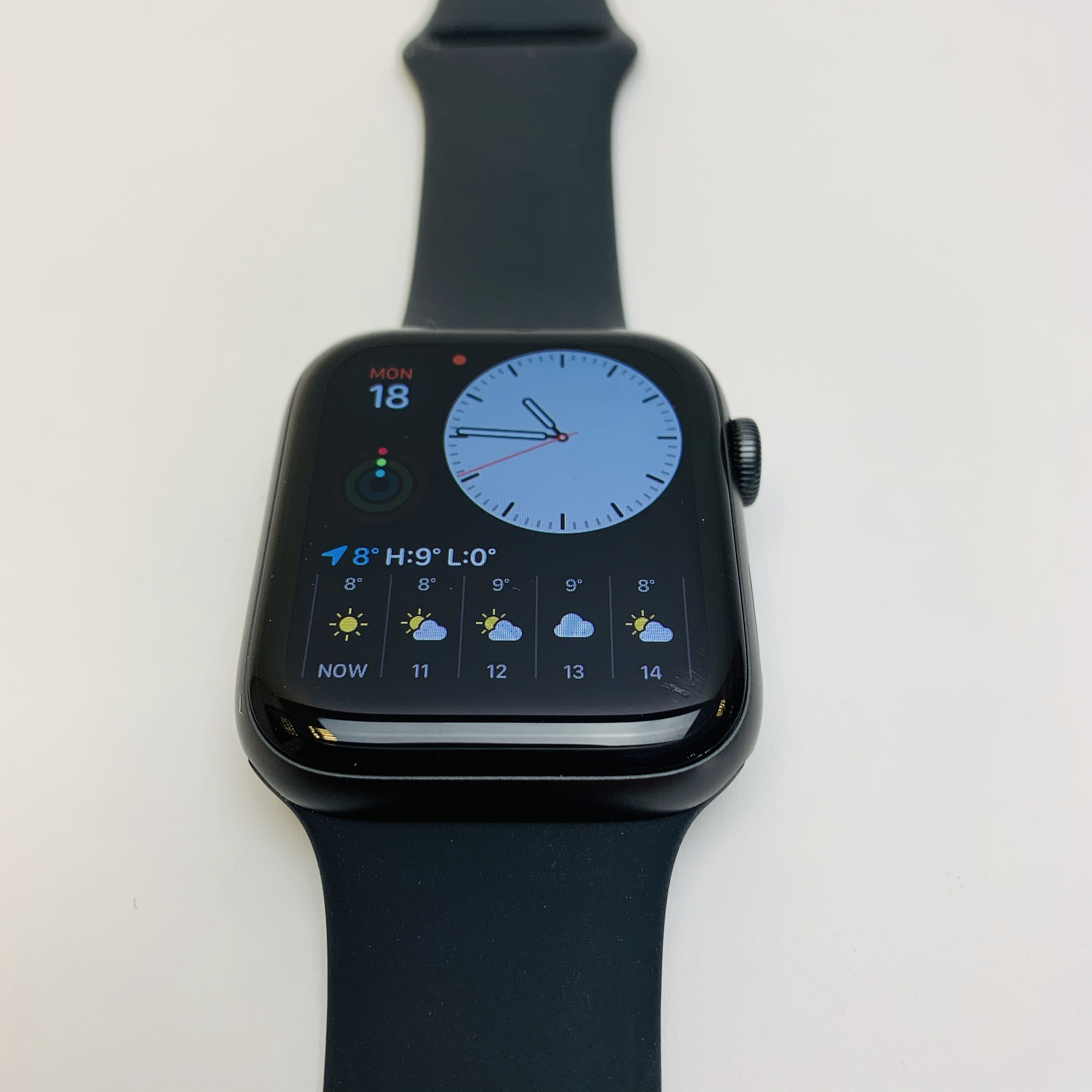 Watch Series 5 Aluminum (44mm), Space Gray, image 3